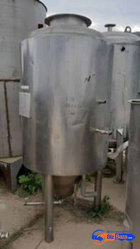 Продается Емкость нержавеющая ЦКТ, объем — 0,8 куб.м.,
